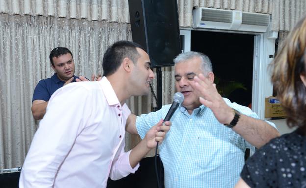 עידן יניב חוגג לאבא שלו 50 (צילום: שרון רביבו)