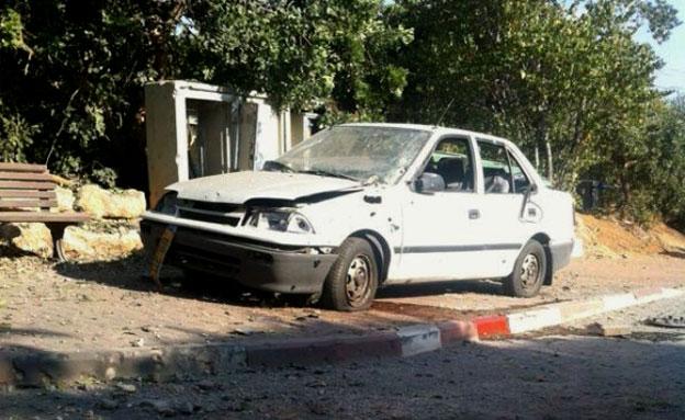 מכונית שנפגעה כתוצאה מהירי (צילום: המייל האדום)