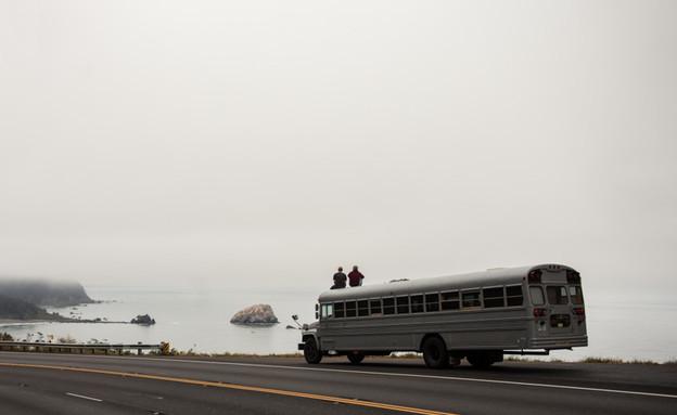 אוטובוס משופץ, נסיעה (צילום: Justin Evidon)