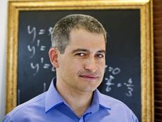 אלי הורוביץ', מנכ