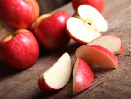 תפוח עץ פרוס (צילום: istockphoto)