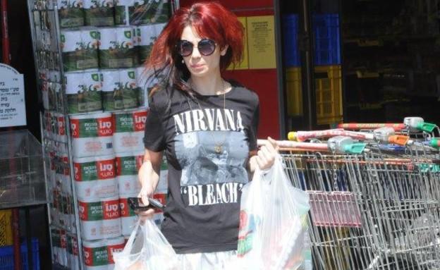 נינט טייב עושה קניות (צילום: ברק פכטר)