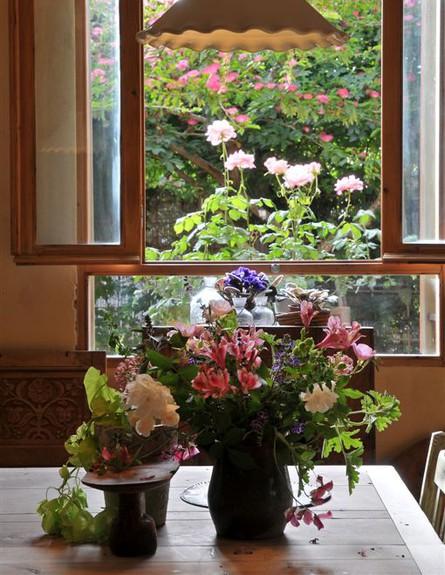 הבית הרגשי, פרחים, אדריכלות ועיצוב נעה ברלב דוידור
