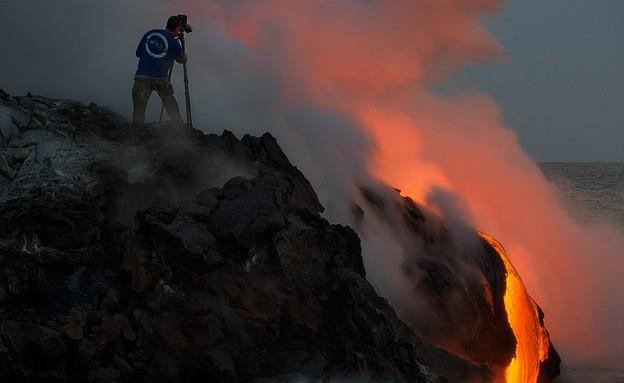 מקרוב, וולקנו בהוואי (צילום: Miles Morgan, dailymail.co.uk)