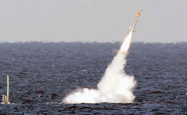 שיגור טיל טומהוק מספינה (צילום: הצי האמריקאי)