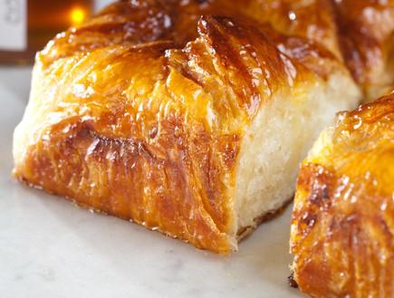 עוגת שמרים ריקוטה ודבש טאטי לחם
