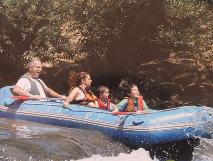 משפחה בסירה אחת, בקייקי כפר בלום, טיול צפון.