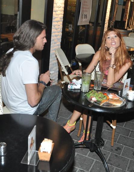 לאון ופאולינה בדייט פפראצי