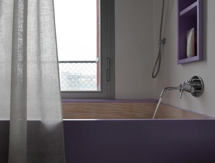 לופט בית חרושת, אמבטיה