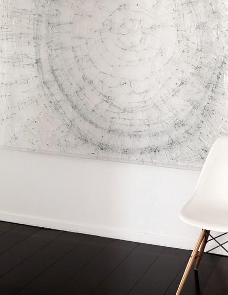 הפקה לבנה, מבואה כיסא (צילום: שרון ברקת)