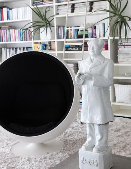 הפקה לבנה, מבואה פסל (צילום: שרון ברקת)