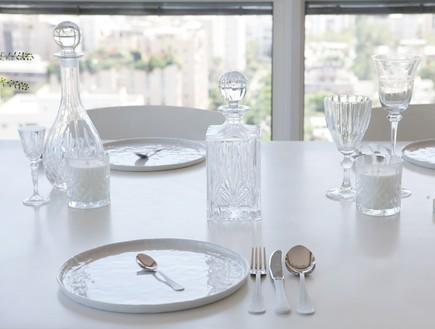 הפקה לבנה, שולחן חג סכום (צילום: שרון ברקת)