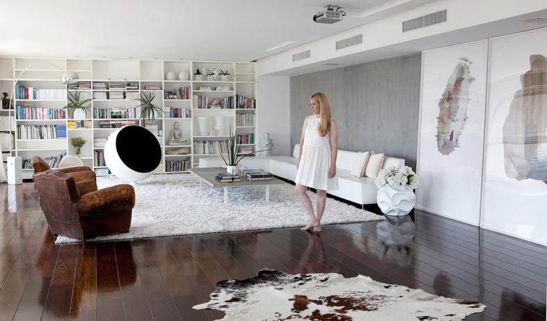 הפקה לבנה, סלון אישה (צילום: שרון ברקת)