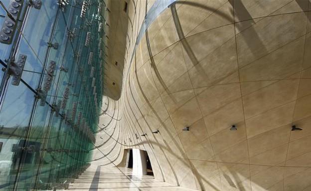מוזיאון ורשה, פנים קיר עגול (צילום: www.ark-l-m.fi)