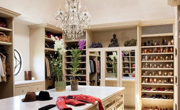 ג'יזל, חדר ארונות (צילום: Nino Muñoz, מתוך: www.architecturaldigest.com )