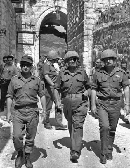 מלחמת ששת הימים יצחק רבין משה דיין עוזי נרקיס בירו