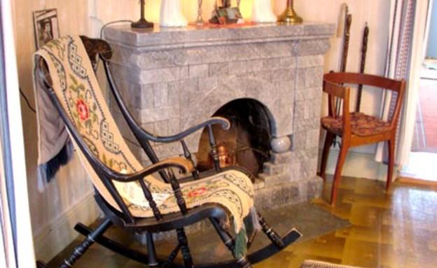 בסלון הבית בשוודיה, מקומות רדופים, האתר הרשמי (צילום: מתוך האתר הרשמי)