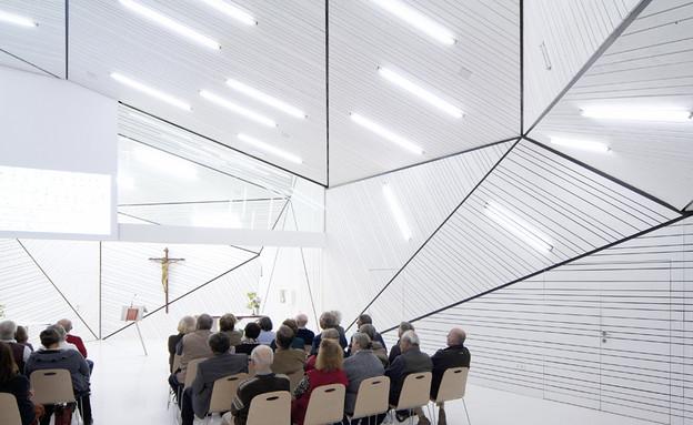 מבני דת, כנסייה XARC, אנשים (צילום: www.xarchitekten.com)