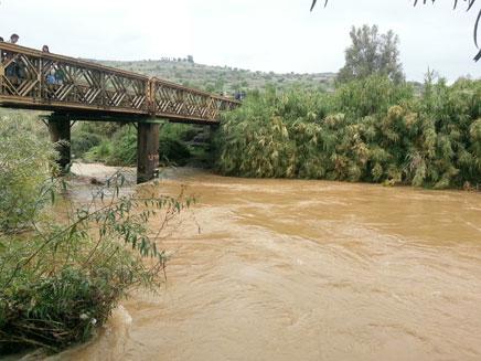 הכינו מטענים לפיצוץ גשרי הירדן