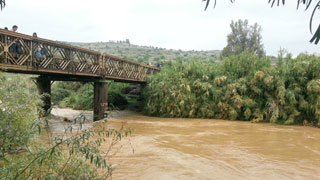 הכינו מטענים לפיצוץ גשרי הירדן (צילום: גלי שפס)
