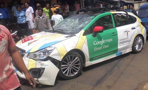מכונית הסטריט וויו לאחר התאונה באינדונזיה (צילום: פורום Kaskus)