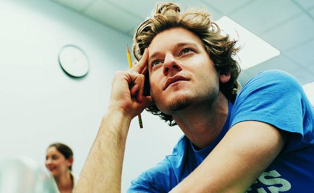 סטודנט בשיעור (צילום: אימג'בנק / Thinkstock)