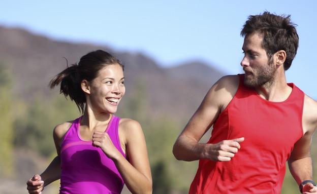זוג עושה כושר (וידאו WMV: Maridav, Thinkstock)