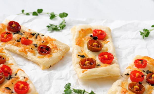 מאפה פיצה על בצק עלים (צילום: שרית נובק - מיס פטל, אוכל טוב)