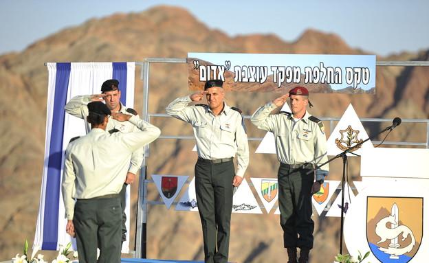 """חילופי מפקדים בעוצבת אדום (צילום: דובר צה""""ל)"""