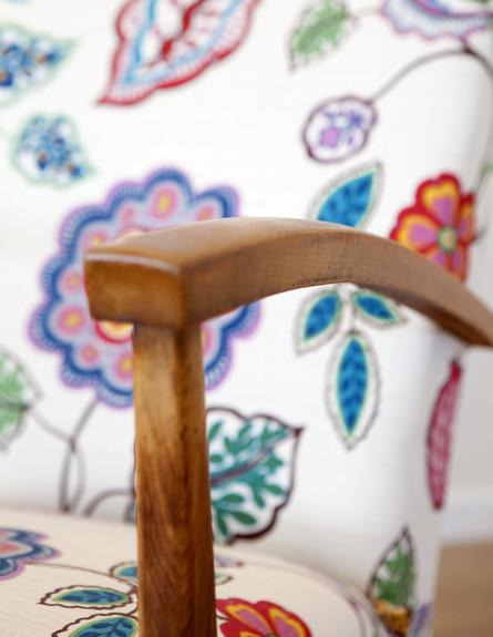 בית טופה ביפו, כיסא פרחוני גובה (צילום: הגר דופלט)
