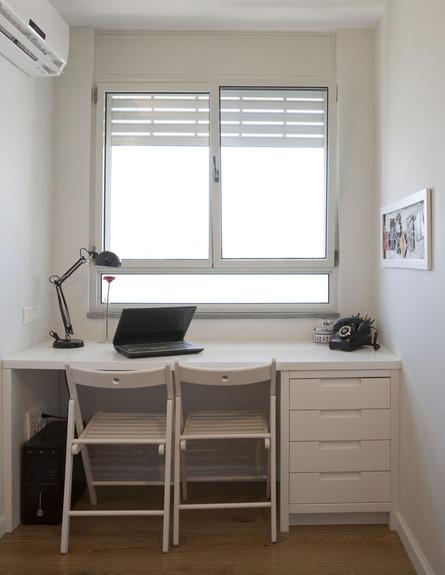 בית טופה ביפו, שולחן כתיבה גובה (צילום: הגר דופלט)