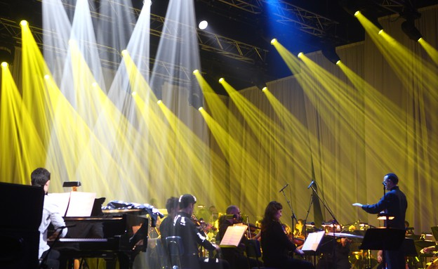 עברי לידר ותזמורת המהפכה (צילום: ענבל צח)