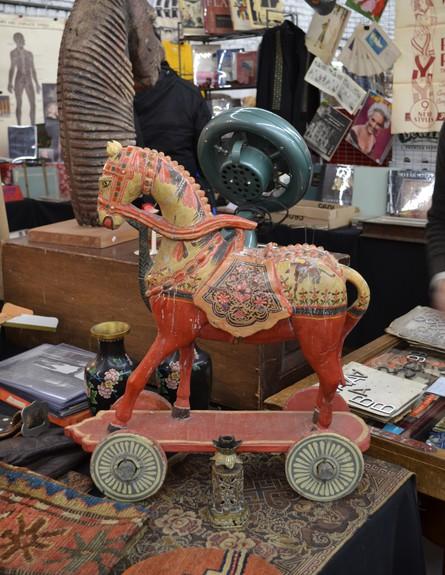חנויות ניו יורק, שוק חנייה סוס גובה (צילום: נעם רוזנבלט אלדן)