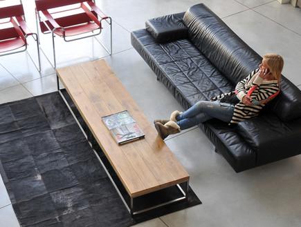 רונית טל, כיסאות בסלון