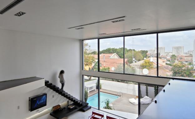 רונית טל, מבט מהקומה השנייה (צילום: שי אדם)