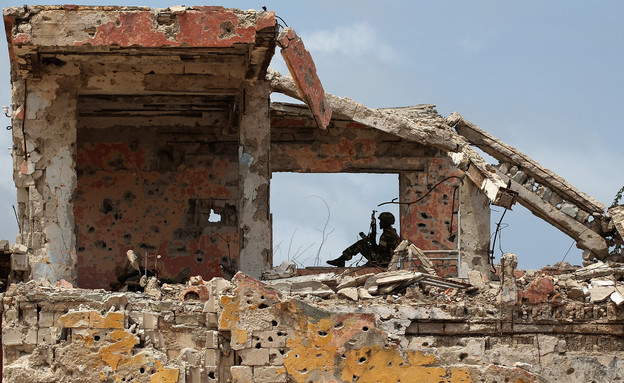 משקיף אפריקאי בסומליה (צילום: John Moore, GettyImages IL)