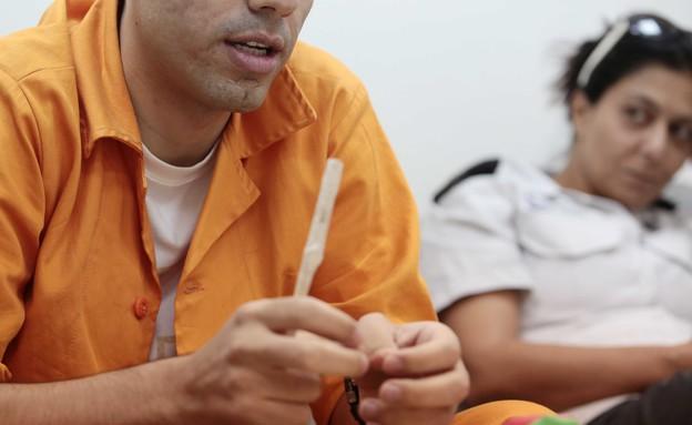 האסיר קובי (שם בדוי) (צילום: עודד קרני)