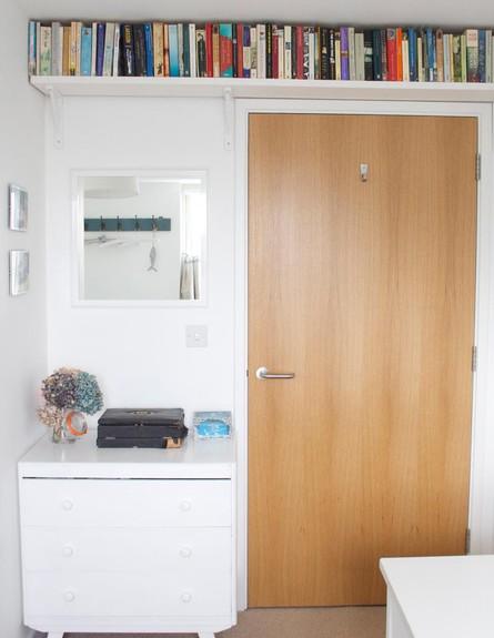 אחסון, מדף עליון (צילום: www.apartmentapothecary.com)