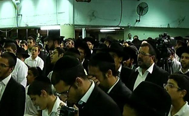 תפילות המוניות להחלמת הרב עובדיה