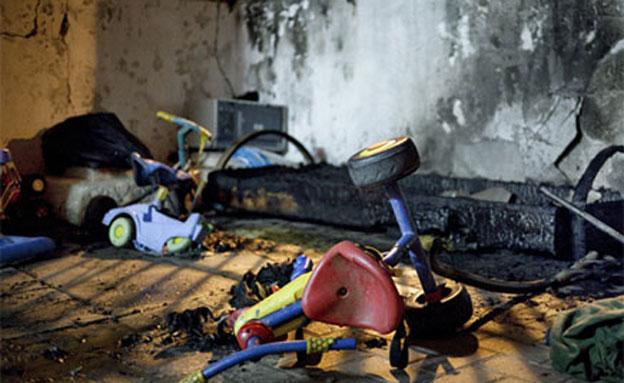 בקבוק תבערה שהושלך על גן ילדים של פליטים בתל אביב (צילום: activestills.org)