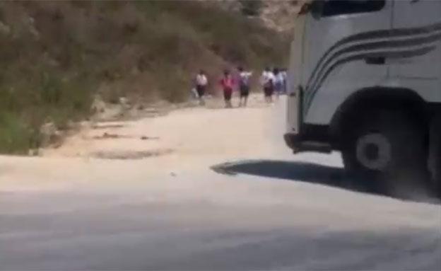 """הכביש לא נסלל – ביה""""ס בצפת הושבת (צילום: חדשות 2)"""
