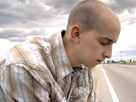 צ'אנדלר ברגר (צילום: צילום מסך מתוך הסרט ''שניה אחת אחרי השניה'')