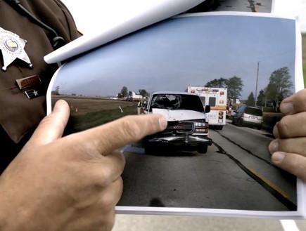 רכבו של צ'אנדלר לאחר התאונה (צילום: צילום מסך מתוך הסרט ''שניה אחת אחרי השניה'')