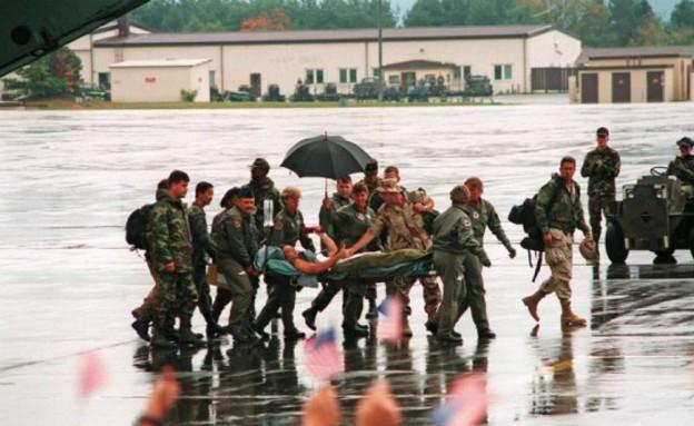 דורנט חוזר מהשבי (צילום: משרד ההגנה האמריקני)
