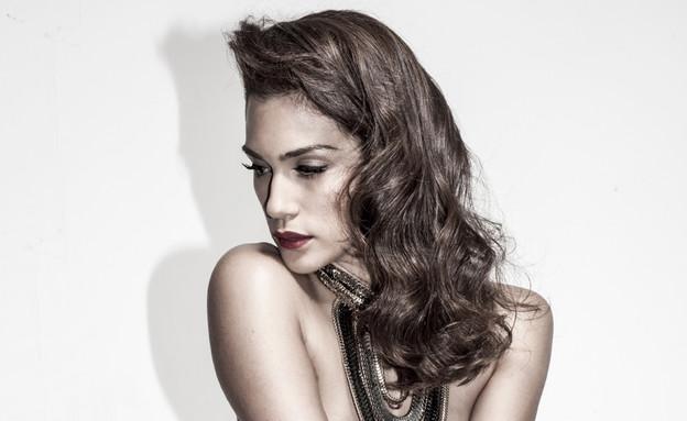שיר אלמליח עבור תחרות הישראלית הסקסית (צילום: רון קדמי. איפור ושיער: רועי חמו. סטיילינג: נועם ראש האי)