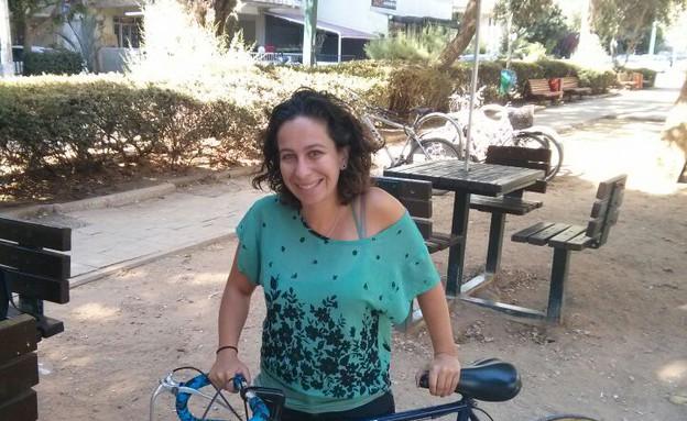 עם אופניים, תיירת מסן םרנסיסקו (צילום: לימור בן-רומנו)
