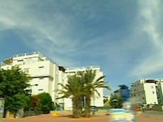 כמה עולה דירה בשכונת רמת אשכול בלוד? (צילום: חדשות 2)