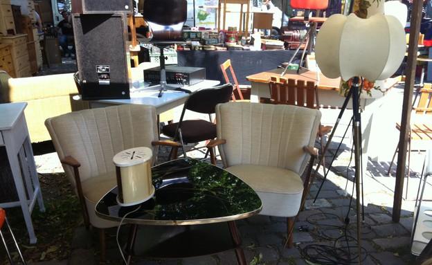 ברלין, שוק פשפשים ארקונפלאץ שולחן, צילום מירב אייכלר (צילום: מירב אייכלר)