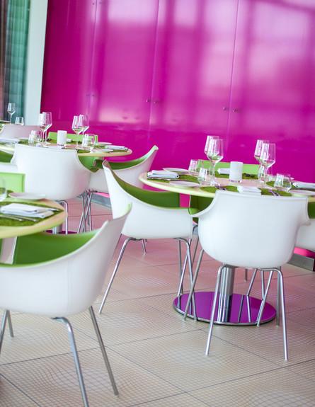 כסאות גובה, צילום סיוון אסקיו ,Nhow Hotel ,ברלין (צילום: סיוון אסקיו )