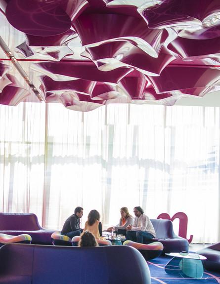 תקרה גובה, צילום סיוון אסקיו ,Nhow Hotel ,ברלין (צילום: סיוון אסקיו )